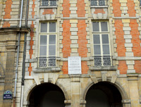 17th century building that still stands tall in Paris, France
