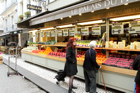 Roadside Fruit and Veggie shopping in Paris