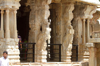 The temple at Lepakshi bears a striking resemblance to the Vittala temple of Hampi