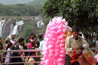 The cotton candy seller at Barachukki Falls, Karnataka
