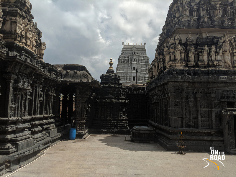 Walking by the beautiful walls of Chintala Venkataramana Temple, Tadipatri