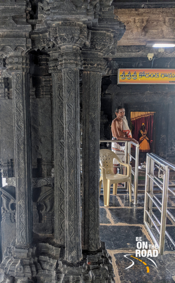 The helpful priest and the Sapta Swaranga pillars of Bugga Ramalingeswara Temple, Tadipatri