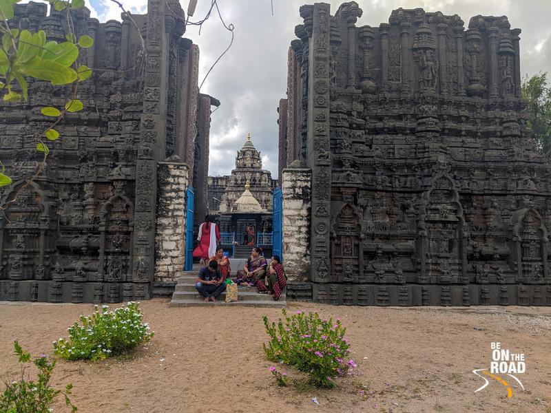 Bugga Ramalingeswara temple view from Pennar river