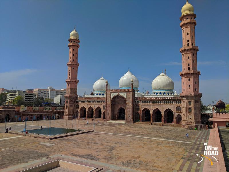 A side view of Taj-ul-Masajid, Bhopal