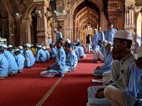 Students inside the Taj-ul=Masajid, Bhopal, Madhya Pradesh