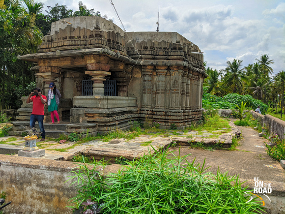 The rustic setting of Chenna Keshava temple, Turuvekere