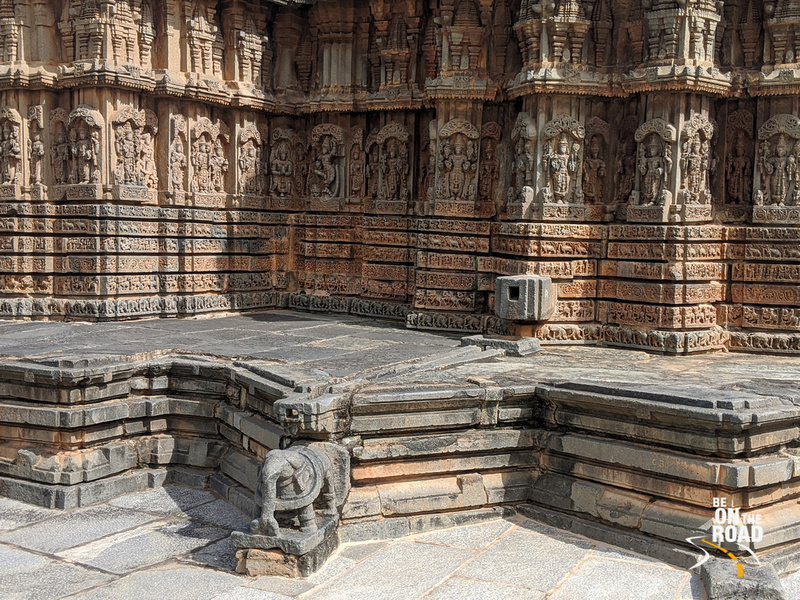 Intricate sculptures on a lotus like platform - Chenna Keshava temple, Arlaguppe