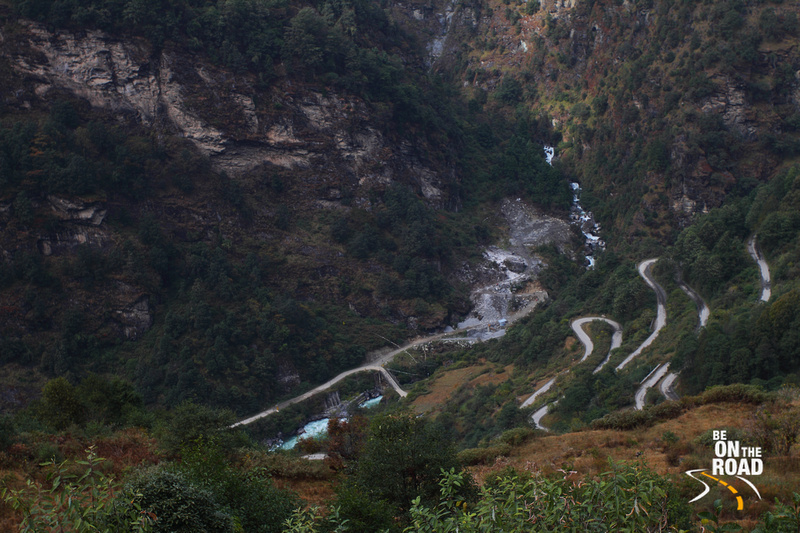 Winding himalayan roads and the steep drop next to it