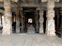 Scultping on more or less all the walls and pillars of Bhoga Nandeeswara Temple
