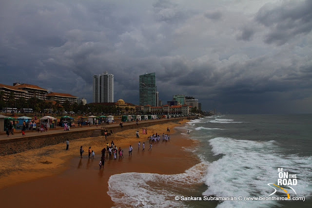 Locals and Tourists throng to Colombo