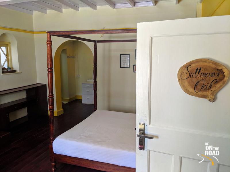 Sullivan's Oak bedroom - Gravityville, Ooty