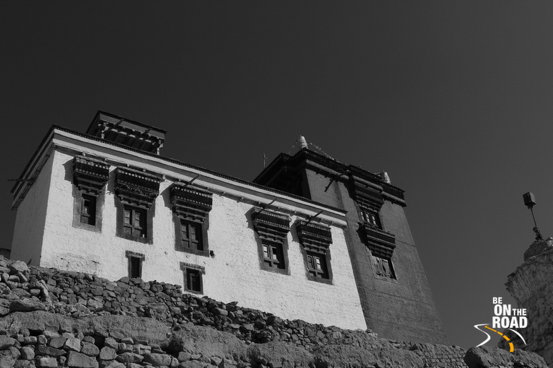 Ladakhi Building enroute to Leh palace